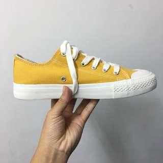 🚚 帆布鞋