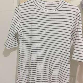turtle neck uniqlo stripe