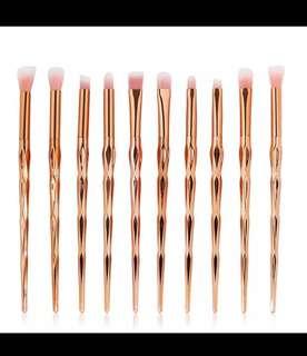 10pcs rose Gold pro make up brushes set.