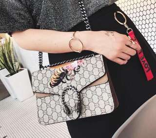You need this purse