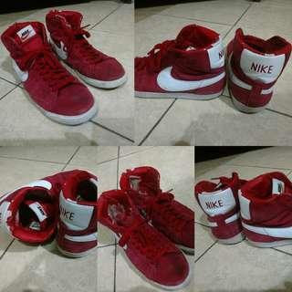 Nike Blazer Merah