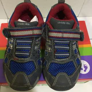 Stride rite 3-4Y boys shoes