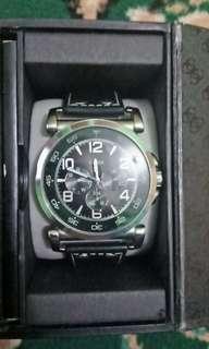 Jam tangan GUESS pria