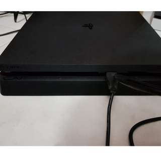 Lobang Lobang! Good price! Playstation 4 (PS4) Jailbroken with Games for cheap!
