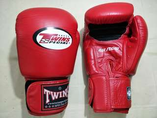 Twins Special Muay Thai/Boxing Gloves 16oz