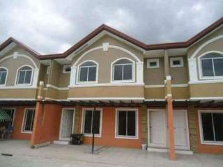 Brandnew Townhouse With 4 bedrooms and 2toilets
