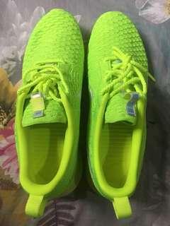 Nike Roshe Run Neon