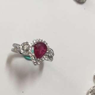 天然紅寶石+鑽石戒指