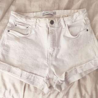 *PRICE DROP* Zara Cuffed White Denim Shorts