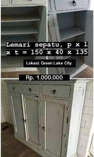 Lemari Sepatu / Shoe Cabinet