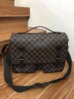 Lv ebene messenger bag