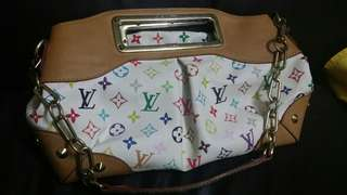 Atension pls read proply the information before make deal.no return item.lv multi colour..no code..good condition,.medium size