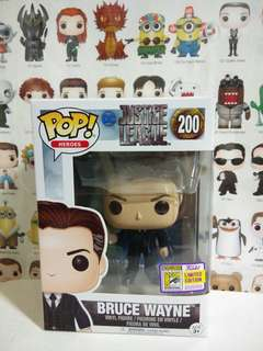 Funko Pop Bruce Wayne SDCC Sticker Exclusive Limited Edition Vinyl Figure Collectible Toy Gift Movie Justice League DC Comic