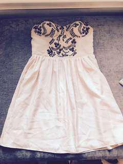 Small Light Pink Strapeless Dress