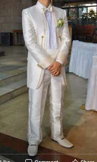 wedding grooms white tuxedo suit