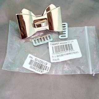Ribbon bag clasp