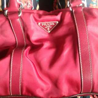 Preloved Authentic Prada Euc Price:3000 Steal: With Your Price ❎ No Deletion Of Comment ❎ No Cancellation Of Order