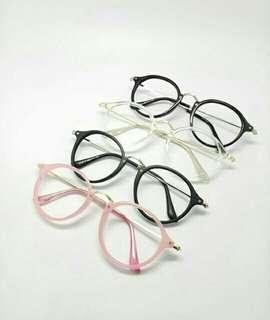 Kacamata gaya berlensa baca
