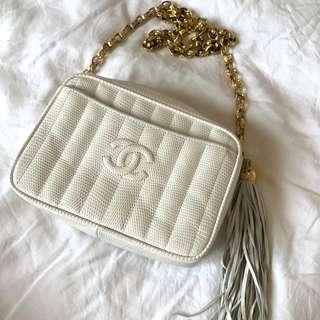 Vintage Chanel象牙白蜥蜴皮流蘇camera bag 23x15x9cm