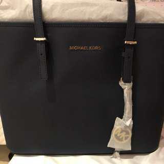 🚚 Michael Kors正品側背包