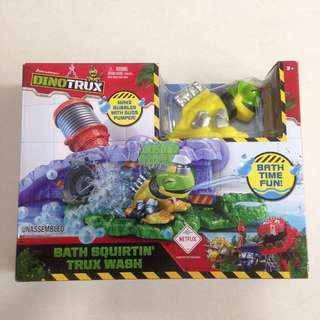 Dinotrux Squirtin' Trux Wash Bath Toy