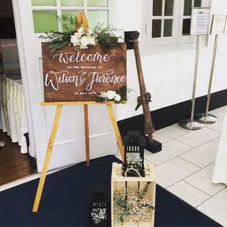 Welcome Sign for Wedding / Wood with Calligraphy / Fresh Flowers add on