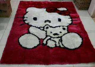karpet bulu hello kitty