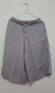 [BARU/SALE] Celana Kulot Dibawah Lutut allsize - Grey