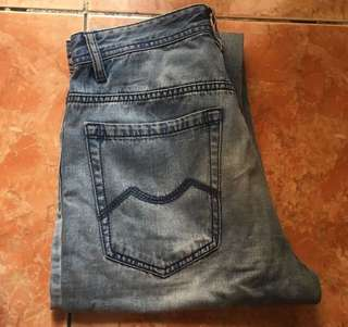 YISHION Faded Jeans