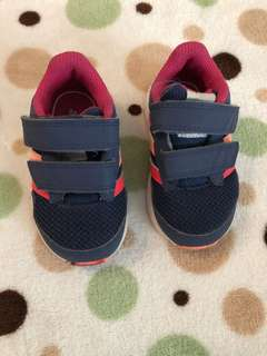 Adidas girl shoes size us5