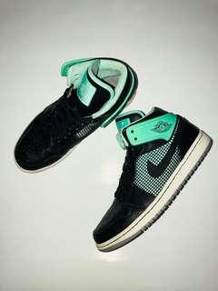"Air Jordan Mid ""Green Glow"""