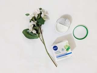 Nivea - Pure and natural day moisturiser