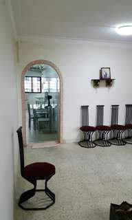 4 ROOM HOUSE IN MARSILING DRIVE FOR SALE