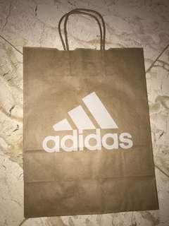 Adidas paperbag (S)
