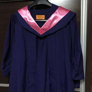 🚚 NUS Graduation Gown with Mortarboard