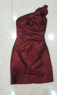Gaun pesta / party dress merah maroon