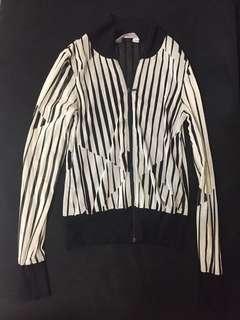 🚚 專櫃st.lu采緹幾何造型輕薄外套