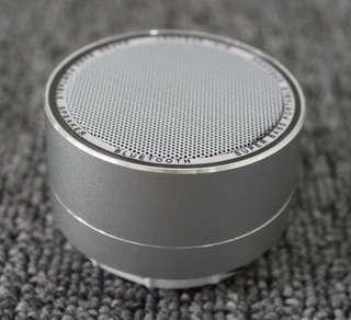 New Bluetooth speaker aluminum lamp with radio call card mini subwoofer Bluetooth speaker