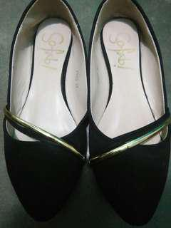So fab! Shoes for 600(negotiable)