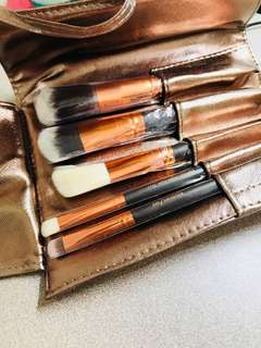 🚚 Brand new make-up brushes