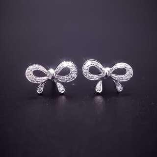 【D-W 香港鑽石世界】全新18K白金 12份 韓系設計 精緻蝴蝶結造型鑽石耳環--001125--19