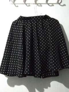 Preloved Polka Dots Black Skirt