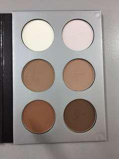 It cosmetics contour and highlight palette