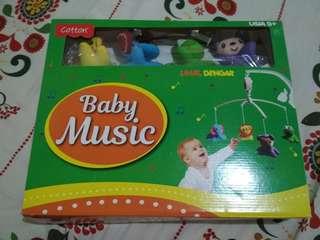 Mainan gantung bayi musik