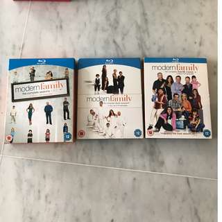 Blue ray modern family complete Seasons 1-4 bumper boxes