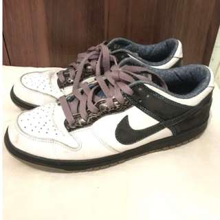 Nike 6.0 Size 8US MEN pre-loved Original Nike shoes Authentic