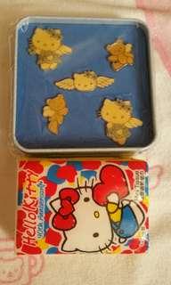 Hello Kitty 天使襟章盒