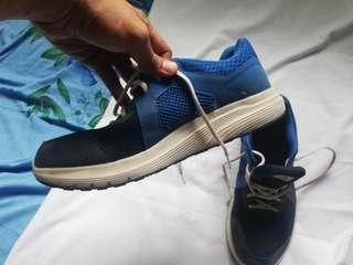 cross training/running shoes
