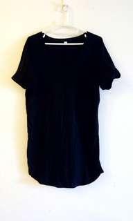 🚚 Uniqlo 黑色 長版T shirt