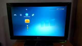 """$360 for LG 32""""  HD LCD TV + 32"""" PHILIPS"""
